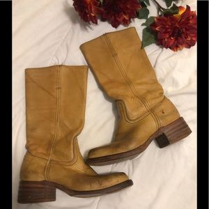 Frye Campus distressed cowboy boots